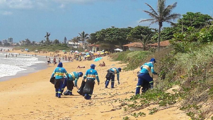 Força-tarefa para deixar praias limpas no primeiro dia do ano