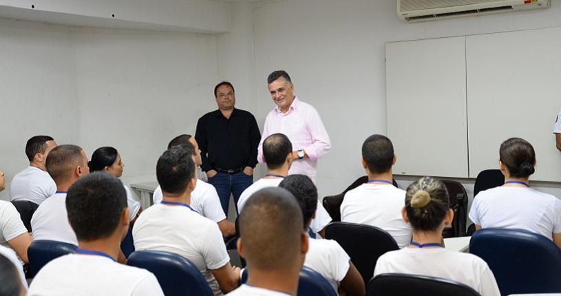 Prefeito visita turma do curso de formação da Guarda Civil Municipal