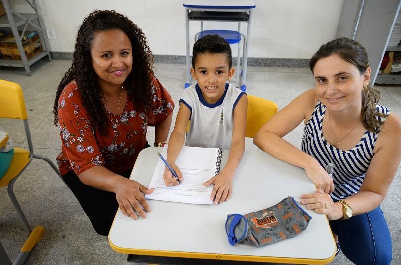 Crianças aprendem a ler e escrever mais rápido com novo projeto na Serra