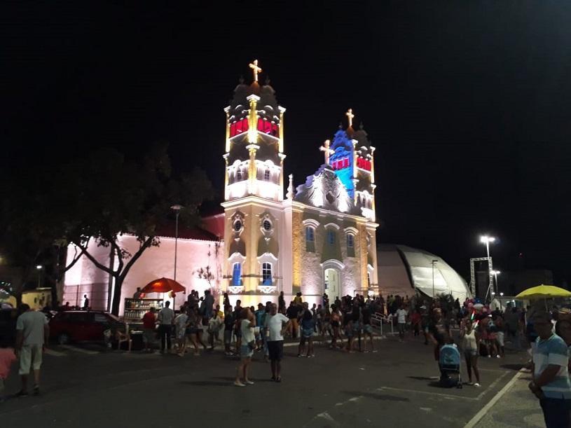 Igreja Matriz de Serra-Sede ganha iluminação cênica