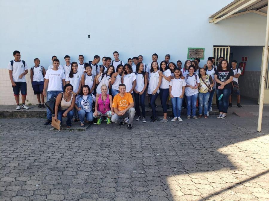 Alunos da EMEF Aureníria Corrêa Pimentel, em Novo Horizonte, participaram da ação educativa ?Exemplos de Vida'