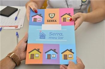 Prefeitura dá 460 escrituras para moradores de Jardim Carapina