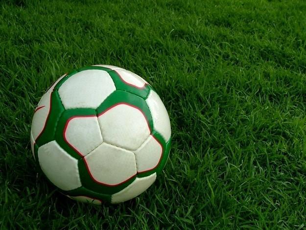 Alunos de futebol, society, futsal e beach soccer recebem materiais nesta segunda (2)