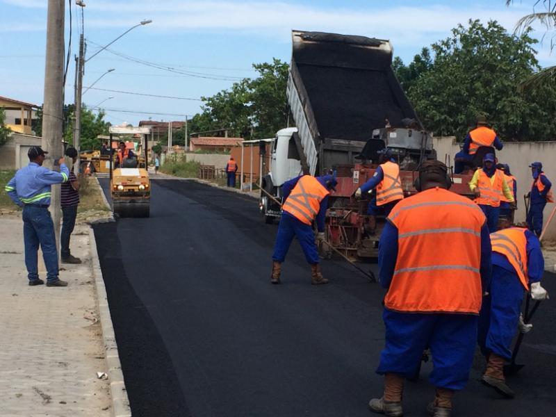 Ruas de Carapina Grande beneficiadas com drenagem e pavimentação