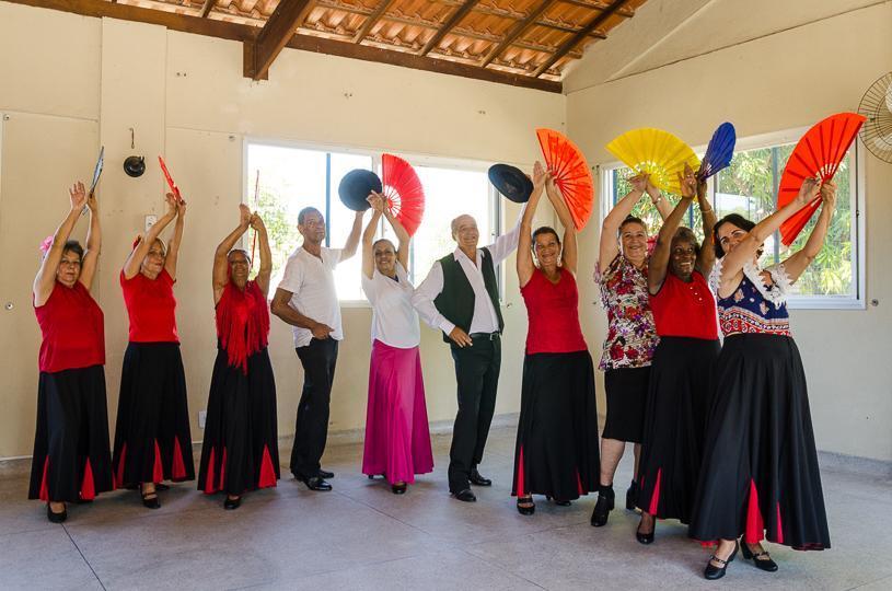 Oficinas, palestras e apresentações culturais para idosos até dia 25