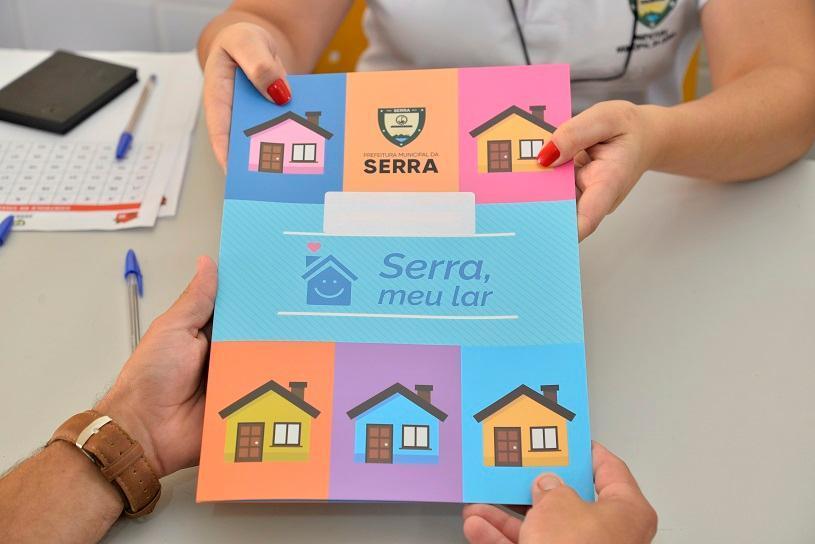 Prefeitura da Serra entrega mais de 450 escrituras em Jardim Carapina