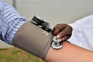 Serra abre unidades de saúde no sábado, segunda e terça