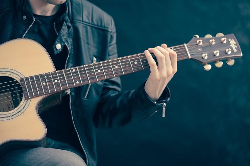 Programação musical em Serra-Sede neste sábado (14)