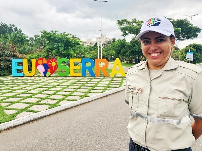 Dia das Mães: conheça a história de dedicação da agente de trânsito Sanchez