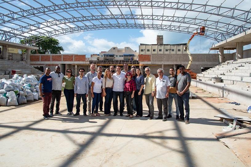 Representantes do esporte visitam obras da nova Arena
