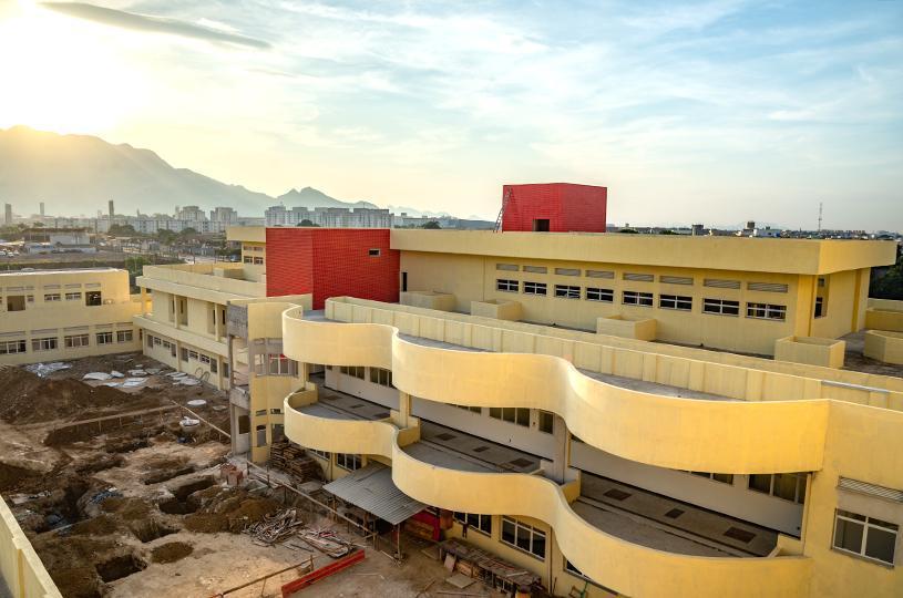 Serra garante convênio para equipamentos do Hospital Materno Infantil