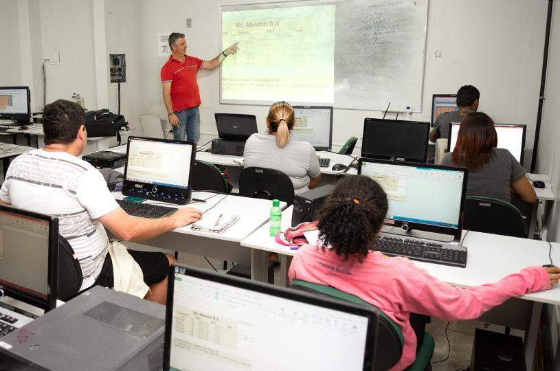 99 vagas em cursos para moradores da Serra