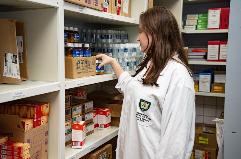 Mais de 100 servidores da Secretaria de Saúde capacitados em farmácia