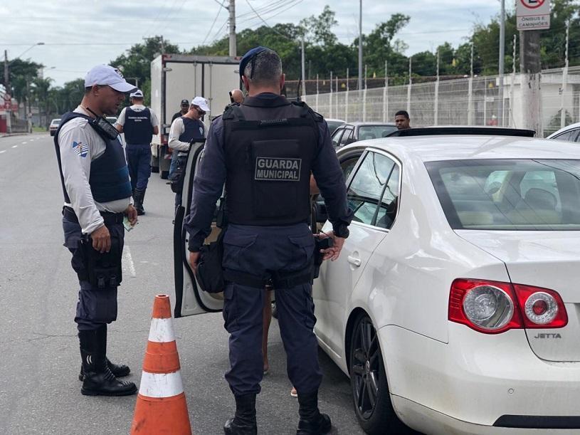 Guardas municipais e de trânsito em operação contra assaltos