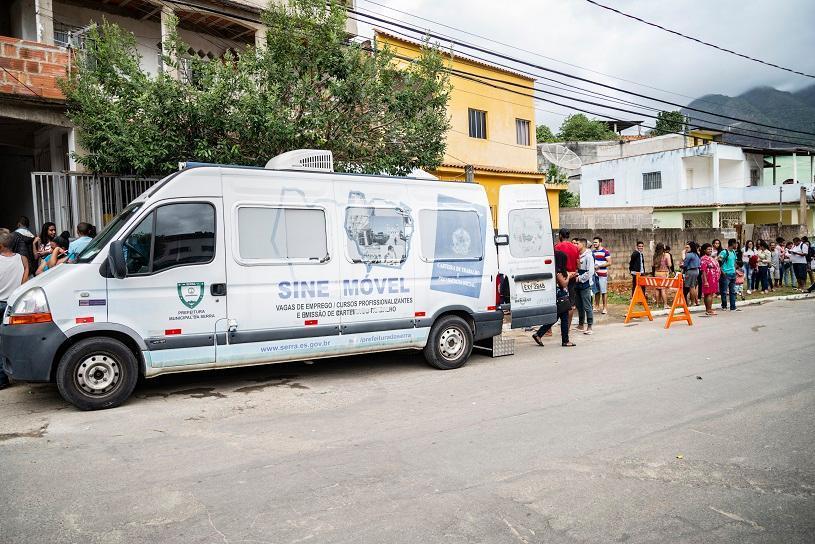 Van do emprego em mais um bairro da Serra nesta quarta (14)