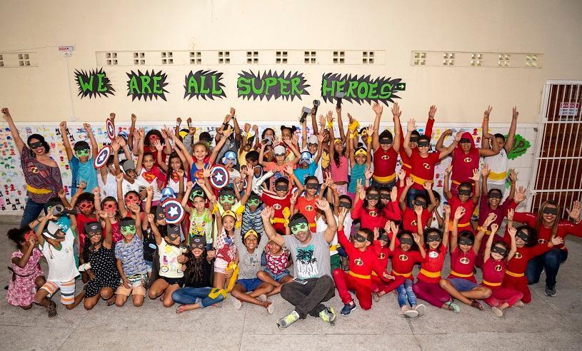 Escola leva super-heróis para sala de aula