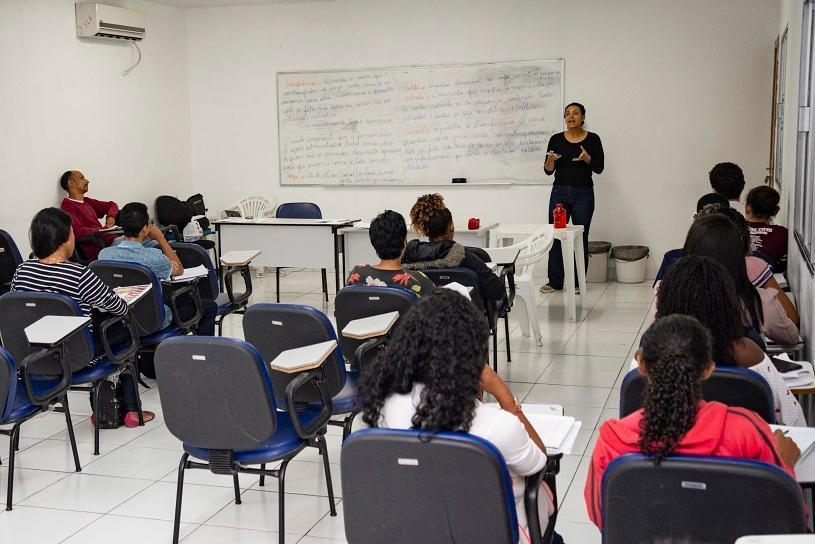 Sine da Serra entrega 300 certificados de cursos de capacitação