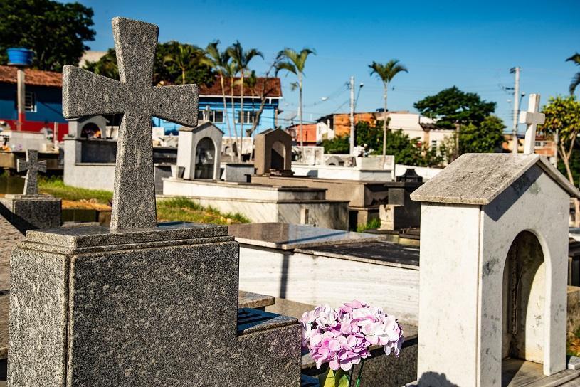 Cemitérios preparados para receber mais de 65 mil pessoas no Dia de Finados