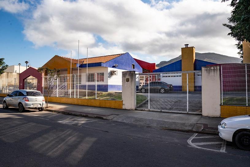Pais e familiares de estudantes da Serra são convidados a avaliar CMEIs