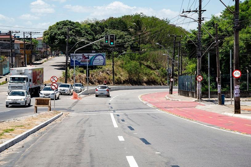 Barcelona ganha reforço na sinalização próximo à Avenida Norte Sul