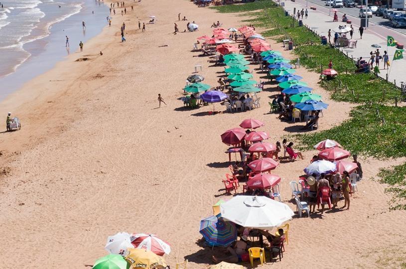Serra abre 63 vagas para ambulantes trabalharem no verão e festas religiosas