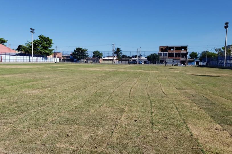 Planalto Serrano ganha campo de futebol com mesmo sistema de irrigação do Maracanã