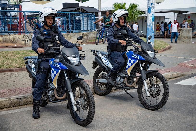 Agentes de trânsito e guardas municipais recuperam 2 carros, bicicleta e notebook furtados