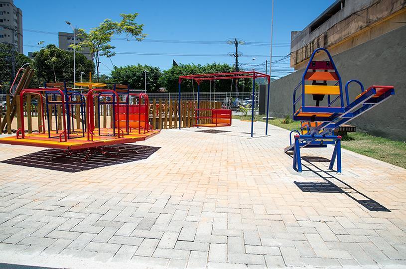 Parque da Cidade recebe brinquedos acessíveis para crianças