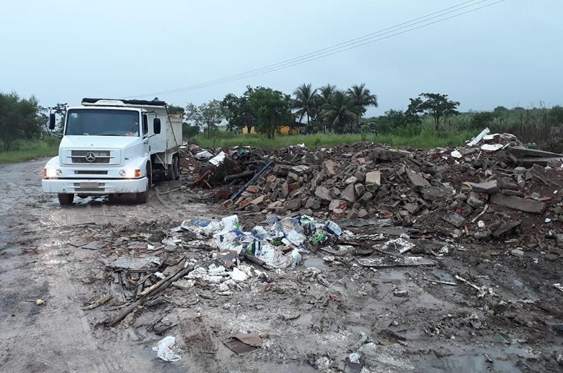 Motorista e dono de obra multados em R$ 10 mil por descarte irregular