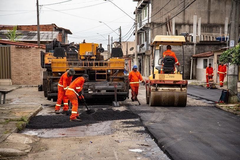 Mais de 100 ruas recebem obras de recapeamento na Serra