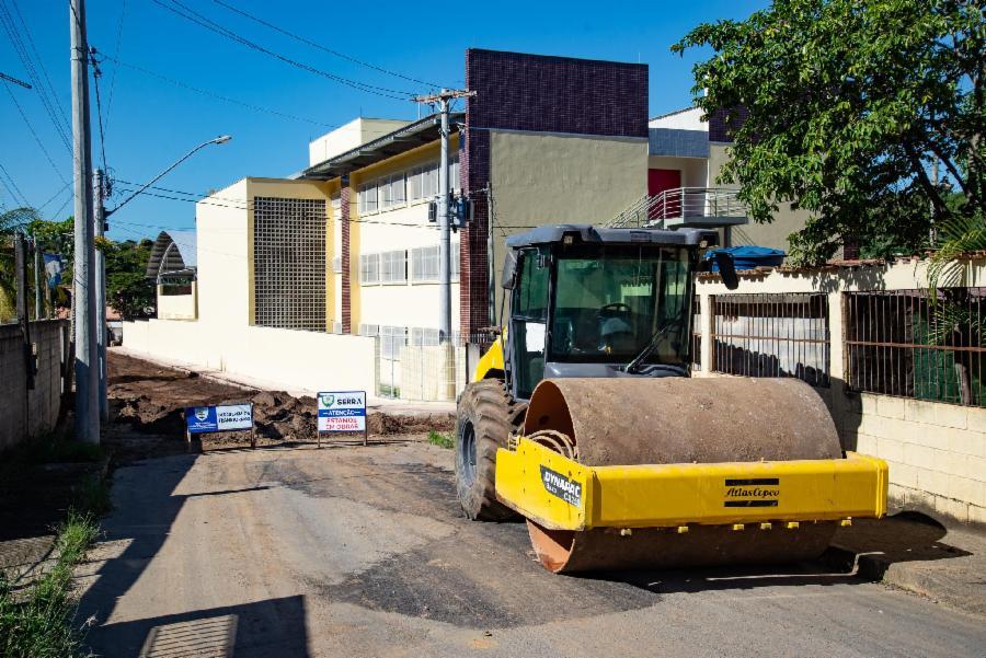 Divinópolis recebe obras de drenagem e pavimentação