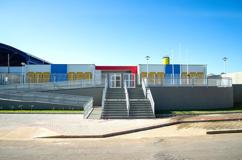 Prefeitura finaliza obra de supercreche com 380 vagas em Vista da Serra II
