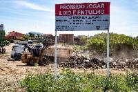 Prefeitura retira mais de 340 toneladas de entulhos em Feu Rosa