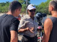 Abordagem educativa para motociclistas encerra atividades do Maio Amarelo