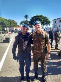 Agente da Guarda Municipal recebe homenagem do Exército Brasileiro