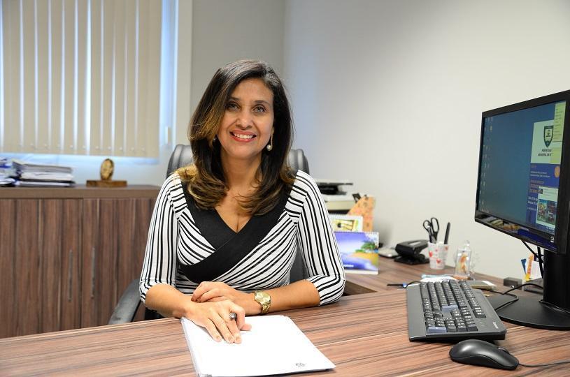 Controladora Geral do município da Serra, Magaly Nunes.
